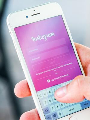 Охваты в Инстаграм падают смартфон